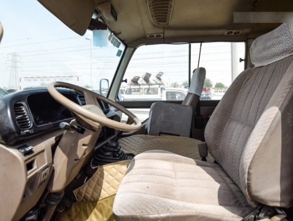2015 Toyota Coaste 7.jpg